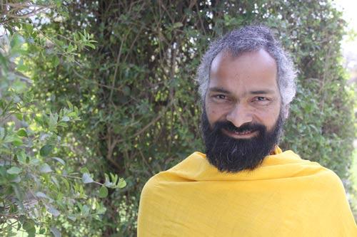 Yogalehrer und Yogaliebhaber: Macht Yoga dich zur Nymphomanin oder zum Schürzenjäger? – 28 Feb 12