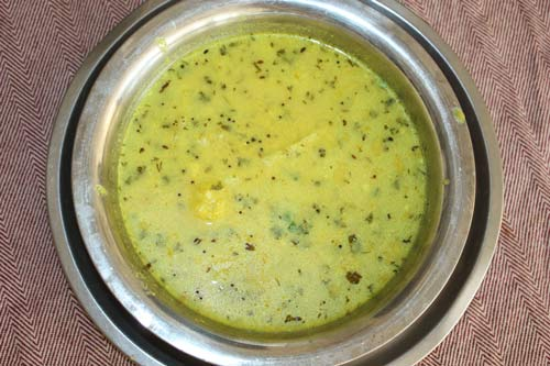 Easy Dahi Aloo Recipe - Potatoes in Yoghurt Sauce - 17 Mar 12