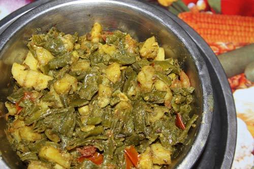 Sem Aloo Recipe - Broad Beans with Potatoes - 24 Mar 12