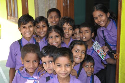 Kinder in Indien und ihr Respekt gegenüber Älteren – 25 Oct 12