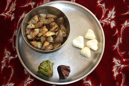 Singhara Recipe - Water Chestnuts or Water Caltrops - 10 Nov 12