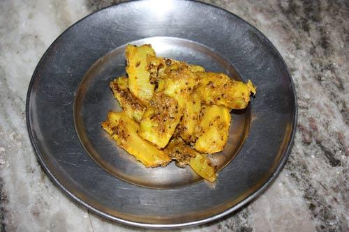 Gobi ke Danthal - Cauliflower Stems Recipe - 8 Dec 12