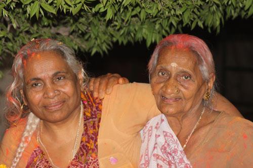 Naniji erleidet den größten Schmerz, den es gibt: den Verlust ihrer Tochter – 14 Dec 12
