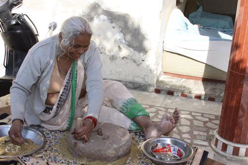 Impact of Ammaji's Passing on the Ashram Family - 19 Dec 12