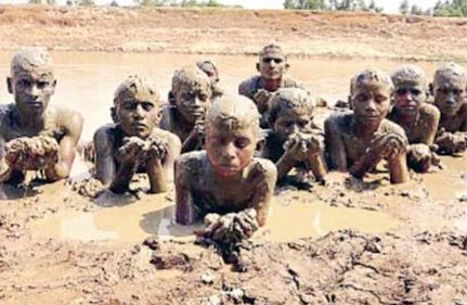 Abergläubische Menschen - Typ 1: Der unschuldige, ländliche Dorfbewohner - 11 März 13