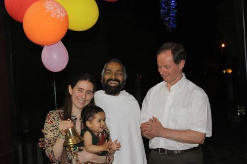 Ramonas Geburtstag mit ihrem Vater und unserer Tochter Apra – 19 März 13