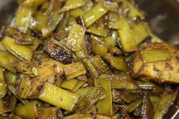 Aloo Gawar ki Phalli - Recipe for Potatoes with Cluster Beans - 21 Sep 13