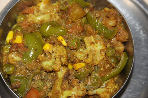Shahi Aloo Gobhi Gajar Matar - Rezept für ein königliches gemischtes Gemüse - 12 Oct 13