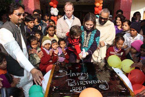 Apras große zweite Geburtstagsfeier – 13 Jan 14