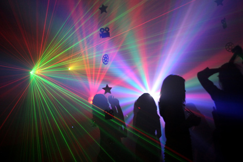 Warum diese Sechzehnjährige zu viel Party macht - 2 Feb 14
