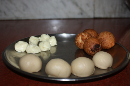Recipe for Sweet Balls filled with fresh Cheese - 6 Dec 14