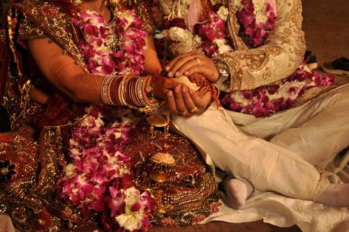 Unterstütze ich das System der Mitgift, wenn ich auf eine traditionelle indische Hochzeit gehe? – 25 Dez 14