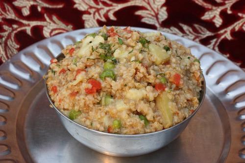 Dalia Kichadi - Rezept für Weizengrütze mit Gemüse - 17 Jan 15