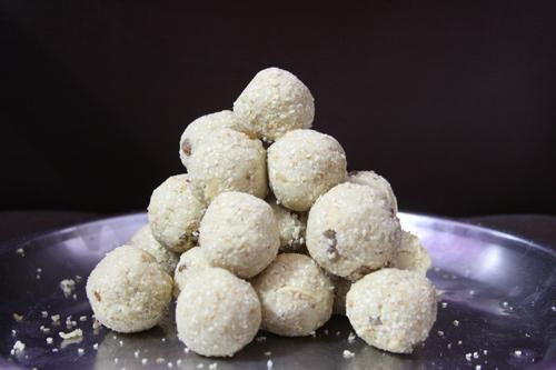 Til ke Laddoo - Rezept für süße Sesamkugeln - 31 Jan 15