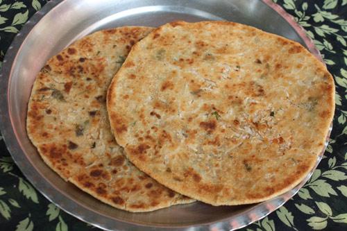 Mooli Parantha - Recipe for Indian Bread stuffed with Radish - 7 Feb 15
