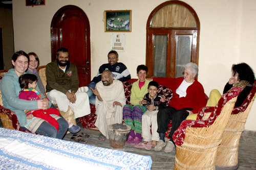 Willkommen in unserem Ashram - für ein völlig unreligiöses Erlebnis! - 10 Feb 15