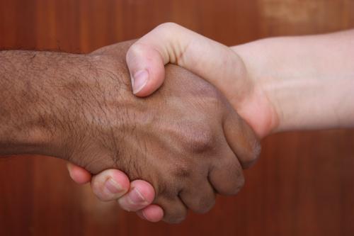 Peinliche Situationen mit dem Handschlag für Frauen in Indien - Hände schütteln oder nicht? - 22 Mär 15