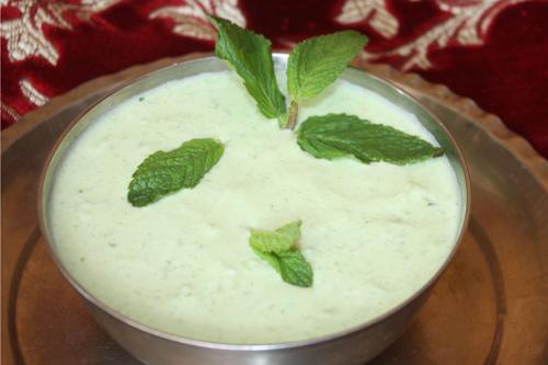 Pudine Kheere ka Raita - Rezept für Minze-Gurken-Joghurtsoße - 28 Mär 15