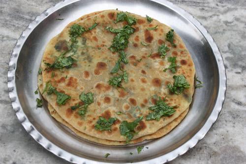 Gobhi Paratha - Recipe for Indian flat Bread stuffed with Cauliflower - 12 Apr 15