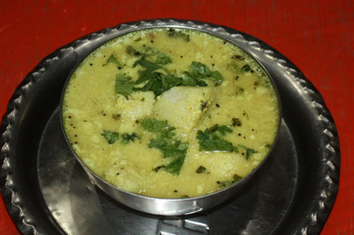 Saftige Idli - Gedämpfte Reisküchlein in Joghurtsoße - 9 Mai 15