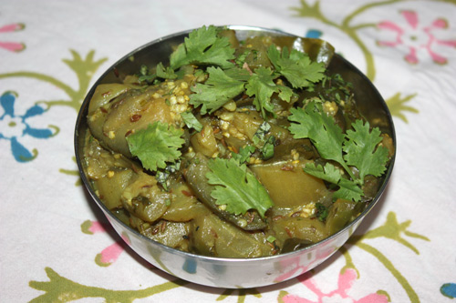 Ghiya Baingan - Recipe for Bottle Gourd with Aubergine - 1 Aug 15