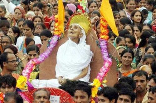 Die sinnlose Tradition Santhara rechtfertigt keine Selbstmorde!- 26 Aug 15