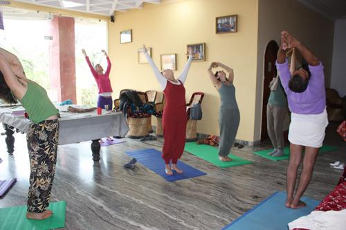 Ist es wirklich notwendig, deine Yogaschüler zu korrigieren? – 29 Sep 15
