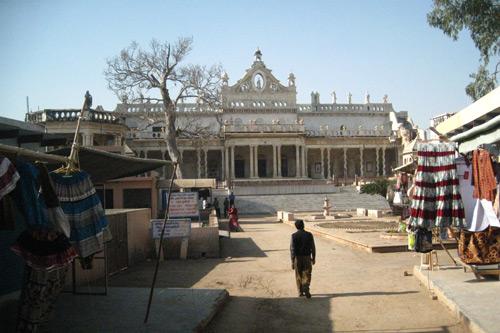 Aggressive Fremdenführer stören die Erfahrung von Touristen in Indien - 11 Okt 15