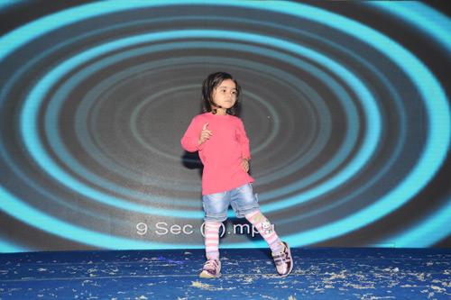 Spontan-Auftritt von unserem Tanz-Star Apra  - 9 Nov 15