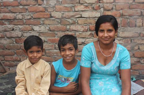 Wenn der Verkauf von Chai nicht genug Geld für die Schule einbringt - Unsere Schulkinder - 13 Nov 15