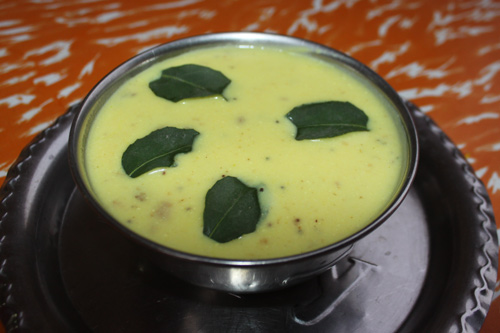 Gatte ki Kadhi - Recipe for Yellow Soup with Chickpea Chunks - 16 Jan 16