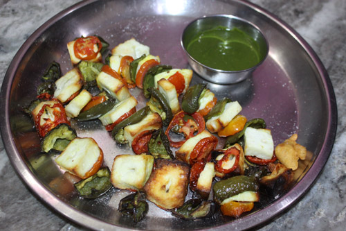 Recipe for Paneer, Tomatoes and Bell Pepper roasted on Spits – 23 Jan 16