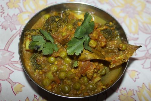 Broccoli Matar - A quick and easy Recipe for Broccoli with Green Peas - 13 Feb 16