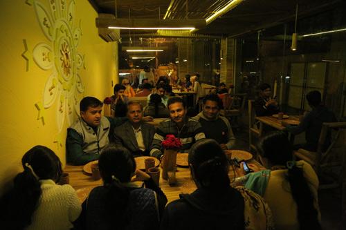 Das erste Abendessen in Ammaji's Ayurvedischem Restaurant – 21 Feb 16