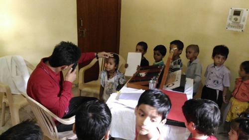 Kostenlose Augenuntersuchung für die Kinder unserer Schule – 31 Aug 16