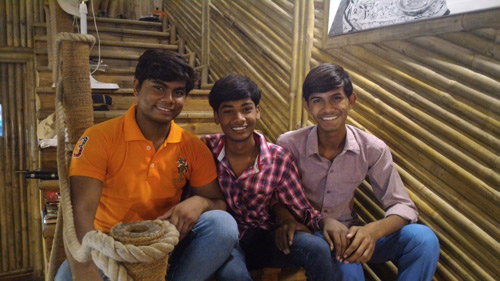 Erfahrungen im Leben haben unsere Ashram-Jungs zurückgebracht – 2 Sep 16