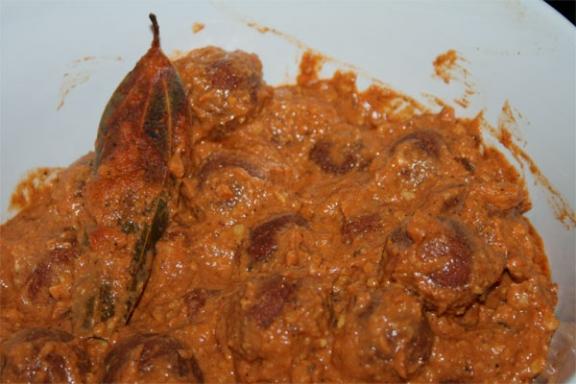Rasgulle ki Sabzi - a delicious vegetarian Recipe - 8 May 09