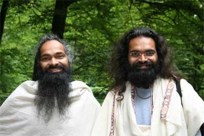 The Ashram Family - Openly Being Together - 24 Mar 08