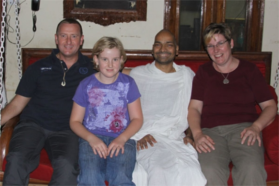 Our Ashram in India - a Place to do Nothing at all - 13 Oct 09
