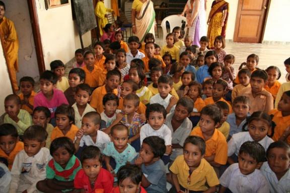Hindi Lernen mit den Kindern - 5 Sep 08