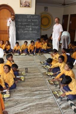 Hinduismus - Hineingeboren oder Arya Samaj - 22 Oct 09