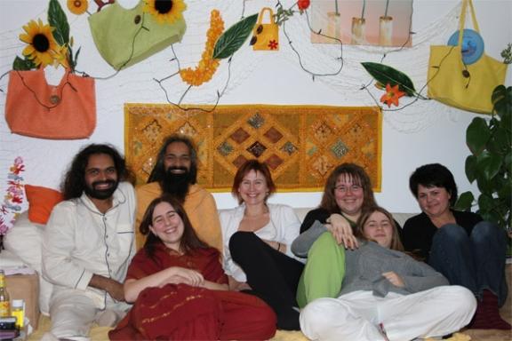 Darshan-Meditation - Besser mit Neuen oder Erfahrenen Menschen - 19 Dez 08