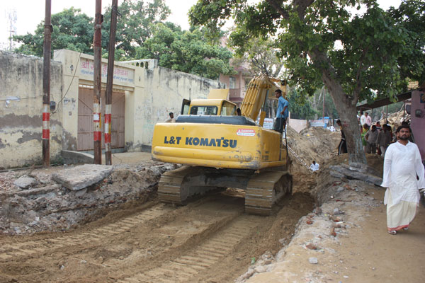 Vrindavan gets a Sewage System and our Internet and Phone is down - 16 Nov 09