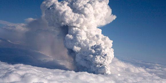 Macht der Natur - Vulkanausbruch in Island - 16 Apr 10