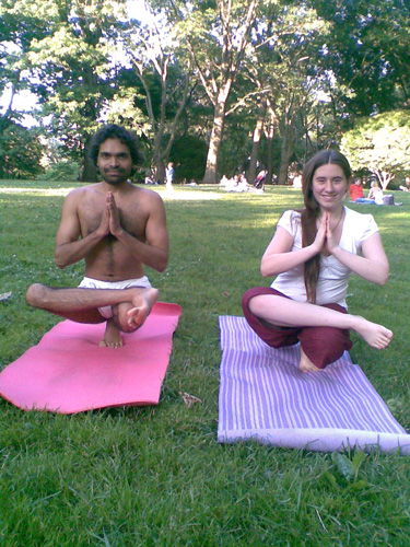 Kostenloses Yoga mit Yashendu im Central Park - 15 Juni 10