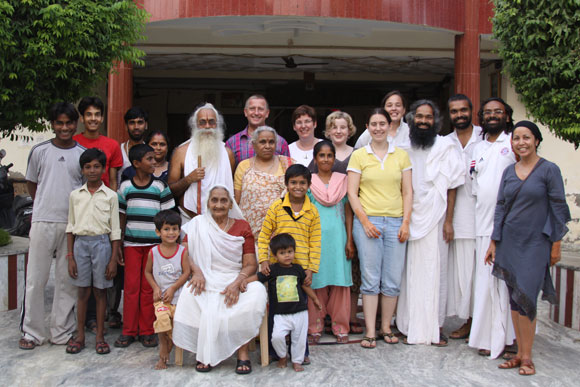 Ashram brings Happiness to Everybody - 22 Oct 10