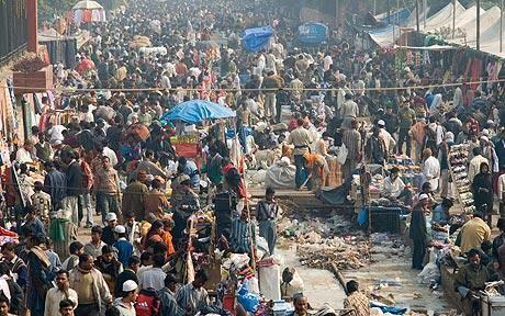 Indiens Bevölkerung explodiert und Papst verbietet Verhütungsmittel - 23 Nov 10