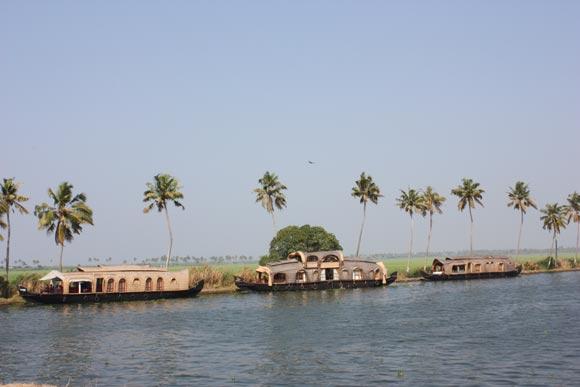 Erfahrungsbericht einer Hausbootfahrt in den Backwaters von Alleppey, Kerala – 24 Jan 11