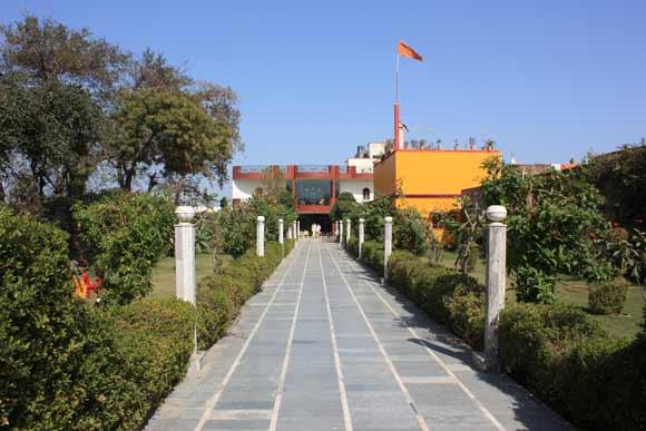 Foreign-Return Guru zurück aus dem Ausland in Indien – 6 Mar 11