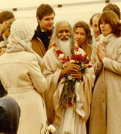 Maharishi Mahesh Yogi, Transzendentale Meditation und Yogisches Fliegen – 17 Jun 11